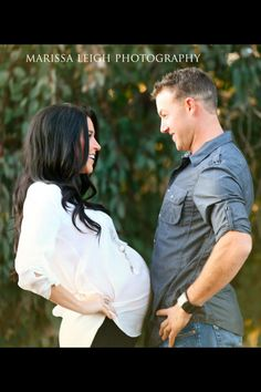 Belly bump maternity photo shoot