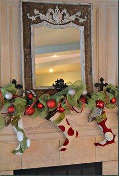 We have a awesome collection of 30 Grinch Christmas Decorations Ideas. Check these ideas and enjoy the festival with your family and friends. Grinch Christmas Party, Elegant Christmas Decor, Christmas Decorations For The Home, Christmas Tree Decorations, Christmas Crafts, Holiday Decor, Christmas Ideas, Christmas Mantles, Christmas Carol