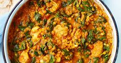 This chicken saag recipe proves that you can eat healthily without having to miss out on your favourite foods. A healthy curry under 500 calories!