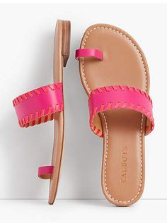 39 Summer Sandals You Will Definitely Want To Keep Women shoes flats and comfortable Pretty Shoes, Cute Shoes, Shoe Wardrobe, Summer Shoes, Summer Sandals, New Shoes, Women's Shoes, Shoes Sneakers, Dance Shoes