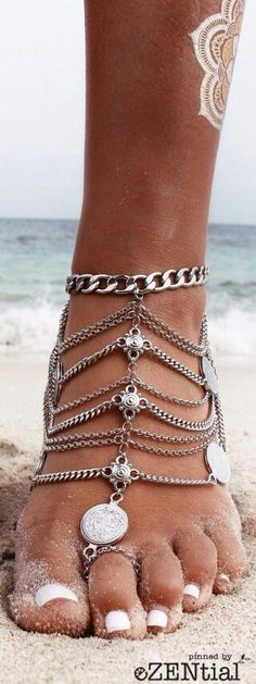 YAHPERN Anklets for Women Girls Color Beads Turquoise Drop Sequin Charm Adjustable Ankle Bracelets Set Boho Multilayer Beach Foot Jewelry (Gold) – Fine Jewelry & Collectibles Mode Hippie, Bohemian Mode, Vintage Bohemian, Hippie Chic, Boho Chic, Bohemian Fashion, Bohemian Jewelry, Boho Jewellery, Bohemian Summer