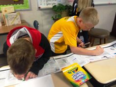 5th grade boys + #scrolls + #textmapping = hands-on, engaged, active thinking. Thanks @suzihesser !