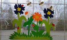 Ablakom: Elkészültek a tavaszi dekorációk Spring Activities, Activities For Kids, Art File, Art School, Paper Flowers, Window, Classroom, Spring, Gardens