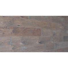 Traffic Master - Revêtement de sol en bois d'ingénierie Caryer fumé raclé à la main (26.25 Pi. carré par caisse) - HD13014B12 - Home Depot Canada