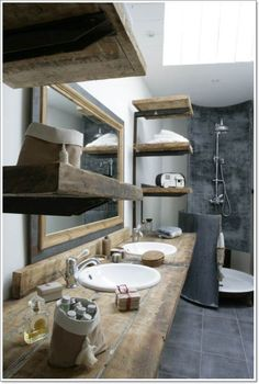 If you love a rustic style, why not include it in your bathroom as well? Here you can read about how this can be done without neglecting the comfort bathrooms gives us! 42 different ideas to choose from in which you will surely find one you will love!
