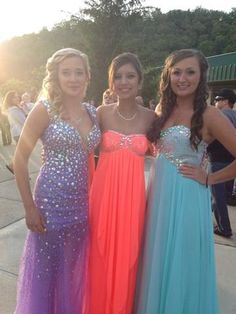 I loved there prom dresses and hair!:)