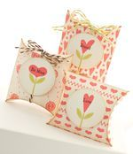 Homespun Hearts, Hearts and Stitches, Square Pillow Box Die-namics - Lisa Johnson