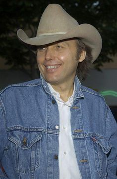 Musician/actor Dwight Yoakam at the Los Angeles premiere of his new movie Hollywood Homicide, June 10, 2003 (© Ernie Stewart/Retna).
