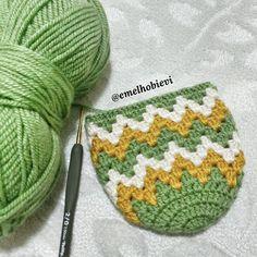 No photo description available. Crochet Cap, Crochet Tote, Crochet Shirt, Crochet Slippers, Crochet Stitches, Free Crochet Bootie Patterns, Crochet Slipper Pattern, Granny Square Crochet Pattern, Knitting Designs