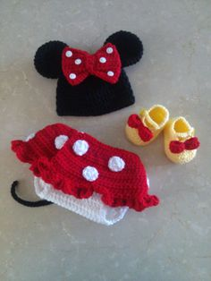 Crochet Minnie Mouse Hat Diaper Cover and by FiveKidsAndACow, $40.00