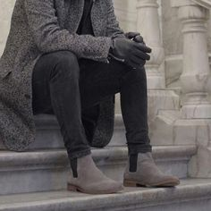 36 Cozy Chelsea Boots Winter Outfits Ideas - picture for you Grey Chelsea Boots Men, Chelsea Boots Outfit, Mens Grey Boots, Trill Fashion, Look Fashion, Fashion Ideas, Grey Boots Outfit, Men's Boots, Traje Casual