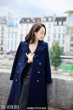 f(x)'s Victoria Shows Off Her Beauty in Paris Victoria Show, Song Qian, Autumn Scenes, Fashion Lookbook, Chinese Style, Asian Fashion, Autumn Winter Fashion, Winter Style, Photoshoot