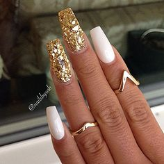 White acrylic nails with glitter, gold sparkle nails, white stiletto nails, white nails Gold Sparkle Nails, Fancy Nails, Cute Nails, Pretty Nails, Glitter Nails, Gold Glitter, Sexy Nails, Prom Nails, Fabulous Nails