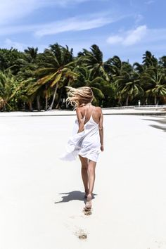 Monday Update #22 | Sand, palm trees & messy hair, Amilla Fushi, Maldives: http://www.ohhcouture.com/2016/06/monday-update-22/ #ohhcouture #leoniehanne