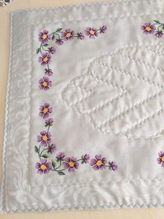 Mavis, Crochet, Decor, Instagram, Cross Stitch Embroidery, Handmade Crafts, Cross Stitch Designs, Dots, Embroidery