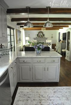 10 Dazzling Clever Tips: Kitchen Remodel Plans Lights kitchen remodel countertops.Kitchen Remodel Design Butcher Blocks u shaped kitchen remodel ideas.Tiny Kitchen Remodel Tips. Kitchen On A Budget, Kitchen Redo, Home Decor Kitchen, Country Kitchen, Home Kitchens, Kitchen Dining, Kitchen Remodel, Kitchen Cabinets, Open Cabinets