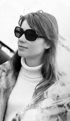 Françoise Hardy - Beatnik style 60's roll neck (please follow minkshmink on pinterest)