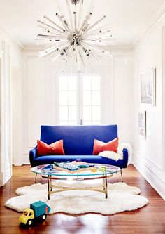Sitting Pretty - Inside The Stately Home Of Los Angeles Jewelry Designer Jeet Sohal - Photos. living room. chandelier. home decor and interior decorating ideas.