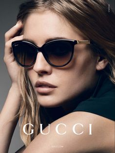 Today we are going to make a small chat about 2019 Gucci fashion show which was in Milan. When I watched the Gucci fashion show, some colors and clothings. Stylish Sunglasses, Gucci Sunglasses, Polarized Sunglasses, Sunnies, Sunglasses Storage, Costa Sunglasses, Trending Sunglasses, Summer Sunglasses, Vintage Sunglasses