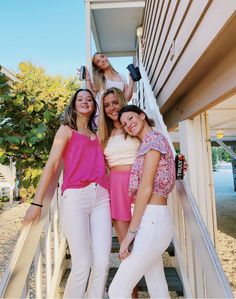 White Jeans, White Shorts, Preppy Girl, Friend Pictures, Friend Pics, Partners In Crime, My Girl, Besties, Poses
