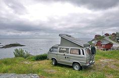 Moskenesstraumen Camping wurde in Norwegen, Å i Lofoten aufgenommen und hat folgende Stichwörter: Camping, Campingplatz, Küste.
