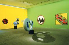 Bertrand Lavier, Walt Disney Productions  Vue de l'exposition « Bertrand Lavier », Musée d'art moderne de la Ville de Paris, 2002