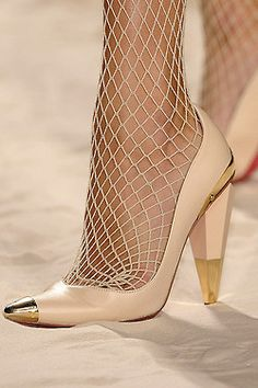 ☼The heel and gold accents are so hot and loving the fishnets!
