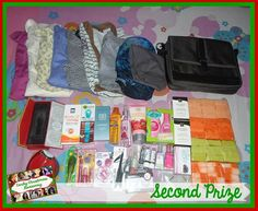 Randomaholic Chic: Early International Christmas Giveaway