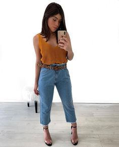 Women Casual Jeans Outfit Trousers For Girls Black Paperbag Trousers Casual Attire For Kid Boy Denim Cargo Pants Casual Fashion 2018 Smart Beach Casual Outfit Jeans, Lässigen Jeans, Mom Jeans, Skinny Jeans, Ripped Jeans, Mode Outfits, Jean Outfits, Casual Outfits, Fashion Outfits