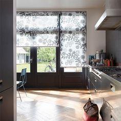 Laat u inspireren door Luxaflex® raamdecoratie. Rolgordijnen