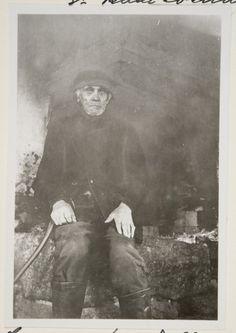 Mikko Samppa paadellaan Iitin Haapakimolassa Oksanen Aino, kuvaaja 1928