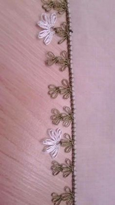This Pin was discovered by Neş Crochet Unique, Border Pattern, Needle Lace, Lace Making, Bargello, Crochet Flowers, Tatting, Embroidery Designs, Needlework