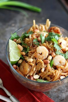 Skip the takeout and whip up a batch of 30 minute Shrimp Pad Thai! #quickdinner