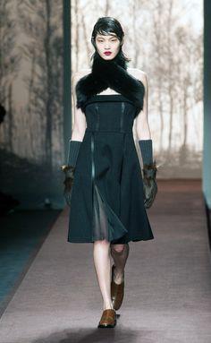 Marni - Marni - Milán - Mujer - Otoño Invierno 2013- 2014 - Pasarelas, desfiles de moda, diseñadores, videos, calendarios, fotos y backstage - Elle - ELLE.ES