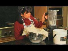 How to Make Homemade Fresh Coconut Milk