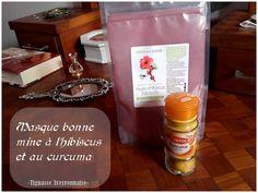 Les ingrédients et dosages : 1 c. à café de poudre d'Hibiscus 1 c. à café de poudre de Curcuma une cuillère à soupe de yaourt nature Mettez les poudres dans un petit bol. Ajoutez tout doucem…
