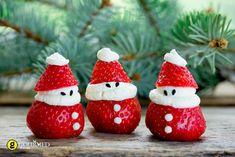 Χριστουγεννιάτικοι Αη Βασίληδες φράουλες με σαντιγί - gourmed.gr