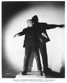 "Béla Lugosi interpretando al monstruo de Frankenstein en ""Frankenstein Meets the Wolf Man"", Classic Monster Movies, Turner Classic Movies, Classic Horror Movies, Classic Monsters, Horror Films, Classic Films, Tv Movie, Sci Fi Movies, Lon Chaney Jr"