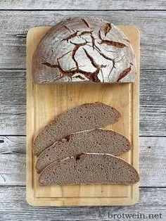 Roggenvollkornbrot - Rezept mit Sauerteig - Brotwein Rye Bread, Cakes And More, Bread Baking, Bread Recipes, Bakery, Food And Drink, Cheese, Snacks, Humor