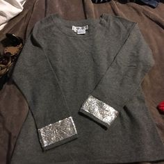 REDCUEDCashmere sweater 100% Cashmere. New and never worn, I am size Small it is too big for myself, new with tag, reasonable offers are welcome Carlisle Sweaters Crew & Scoop Necks