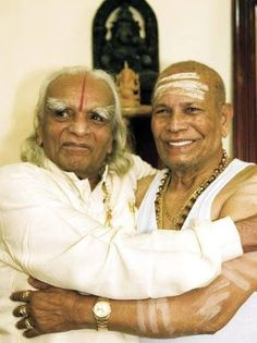 Iyengar and Pattabhi Jois-life brothers! What an amazing picture!