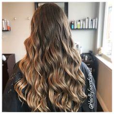 Sun kissed balayage by Sierra Schnell @envysalonstudio in Wasilla Alaska #blondebalayage #darkblonde #longhair #balayage #blondehair #jiocofreeplay #jioco #hairbysierraschnell #wasillaAlaska