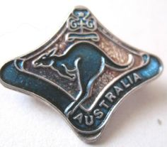 GIRL GUIDES AUSTRALIA EARLY DESIGN FRIENDSHIP METAL BADGE | eBay Girl Guides, Scouting, Girl Scouts, Badges, Friendship, Australia, Metal, Accessories, Design