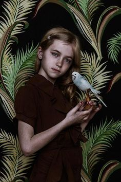 © Shelly Mosman, série « Animal Child » Small Bird, 2014.