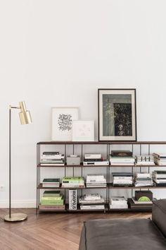 Living Room : Berlin apartment from the century – via Coco Lapine Design Estilo Interior, Interior Styling, Interior Decorating, Decorating Ideas, Decor Ideas, Interior Architecture, Interior And Exterior, Low Bookshelves, Modern Bookcase