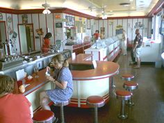 The Union Dairy Freeport IL, many childhood memories. Vintage Diner, Retro Diner, Freeport Illinois, Diner Restaurant, American Diner, Soda Fountain, Scenic Design, Interior Photo, Historical Pictures