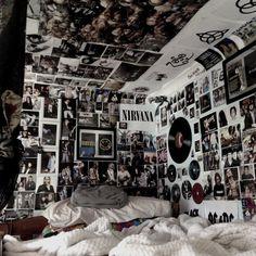 Punk Rock Bedroom, Edgy Bedroom, Punk Room, Emo Room, Grunge Bedroom, Room Design Bedroom, Bedroom Ideas, Bedroom Decor, Bedroom Wall