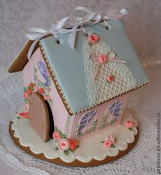 GINGERBREAD HOUSE~Pink & blue gingerbread house