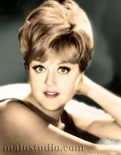 A young Angela Lansbury Old Hollywood Actresses, Classic Actresses, Old Hollywood Glamour, Vintage Hollywood, Beautiful Actresses, Classic Hollywood, Actors & Actresses, Hollywood Celebrities, Angela Lansbury