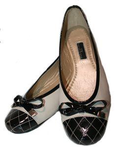 Zapatos Bailarinas Negros vía pinterest.com